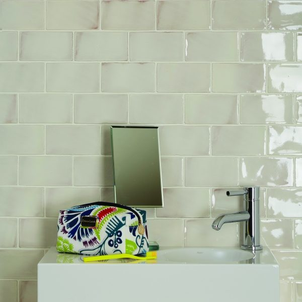 Ca Pietra Seaton White Sands bricks, Edinburgh Tile Studio, bathroom shot.