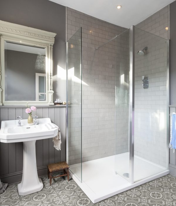 Ca' Pietra Seaton Ocean Mist brick, walk in shower. Edinburgh Tile Studio.