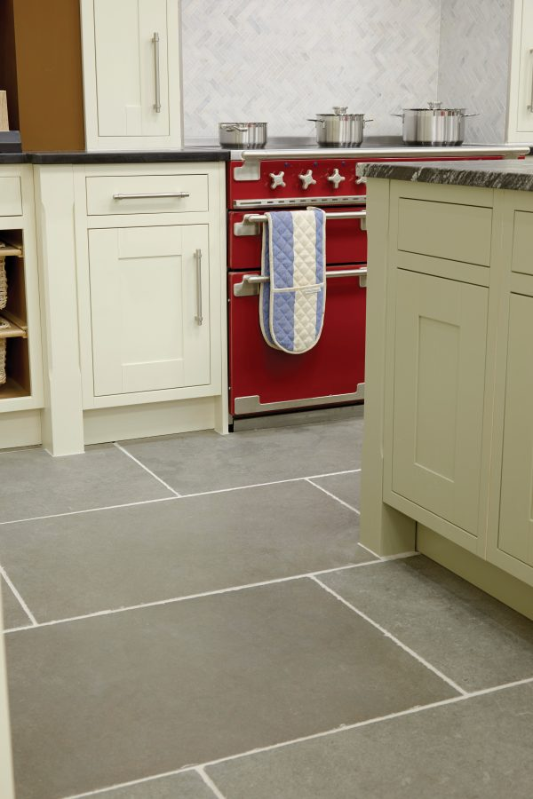Ca' Pietra Tyrone Limestone, tumbled. Kitchen Shot.  Edinburgh Tile Studio.