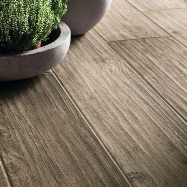 Ca' Pietra Maso Chateau Wood Effect close up, Edinburgh Tile Studio