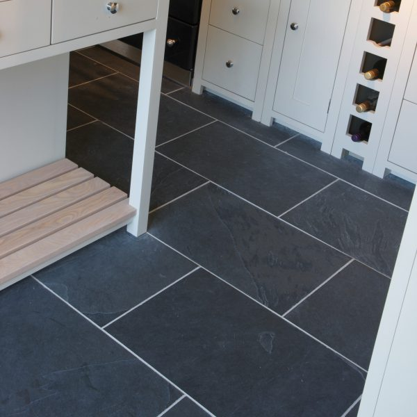 Ca' Pietra Metropolitan Slate Pewter, fine riven, kitchen room shot, Edinburgh Tile Studio